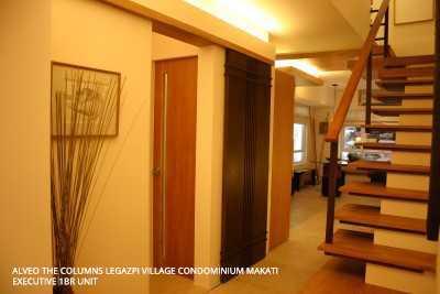 Executive 1BR Unit The Columns Legazpi Village Condo Makati